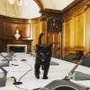 「今日も仕事がんばるにゃ」イギリスの財務省で働くネコ グラッドストン