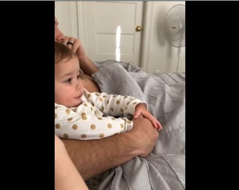 嫉妬する赤ちゃん7