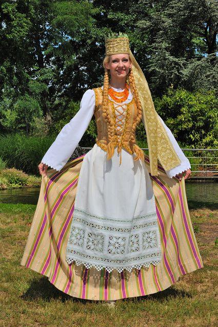 リトアニア 民族衣装