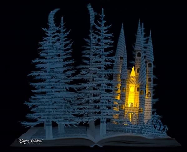 大きい木と城
