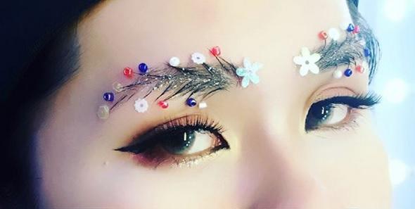 クリスマスツリー眉毛メイク14