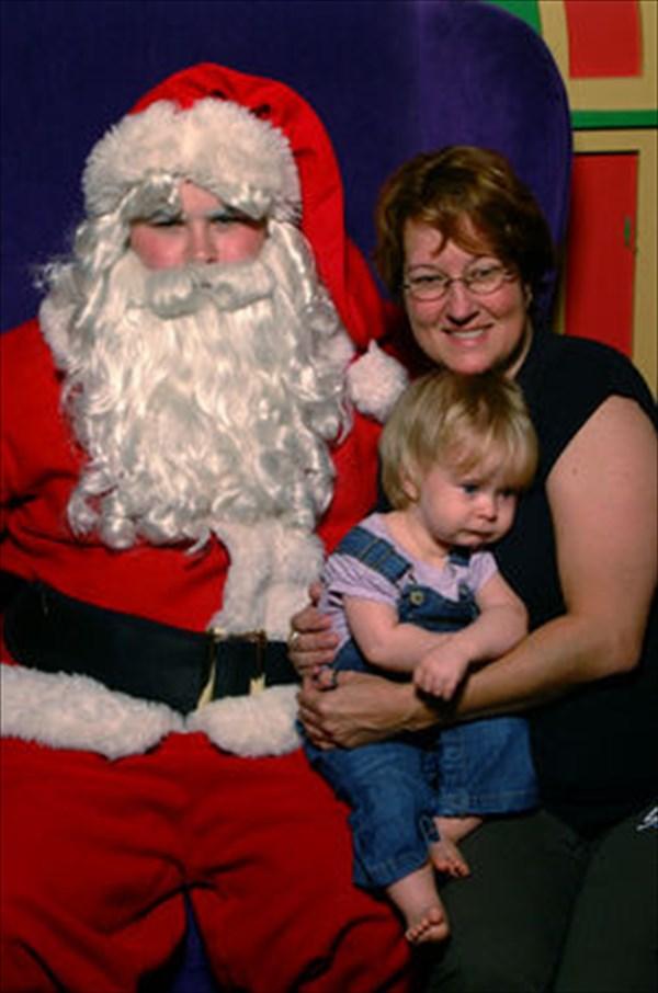 サンタに怖がる子ども3