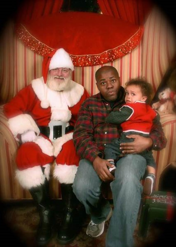 サンタに怖がる子ども2