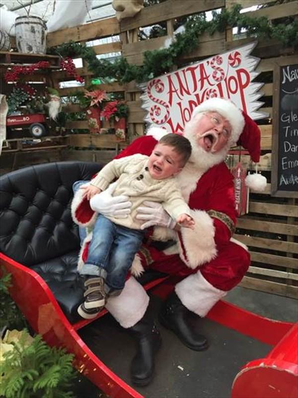 サンタに怖がる子ども9