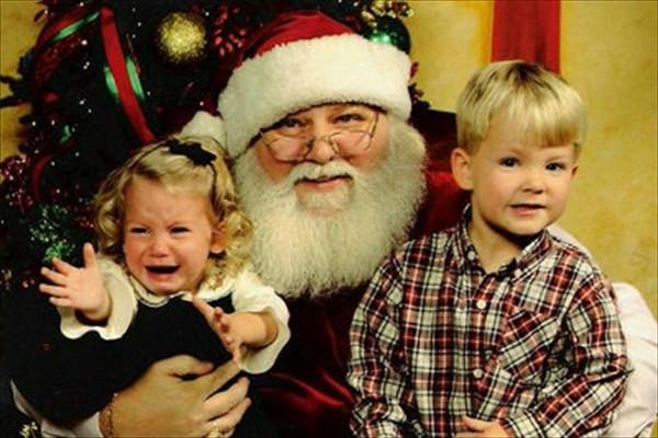 サンタに怖がる子ども10