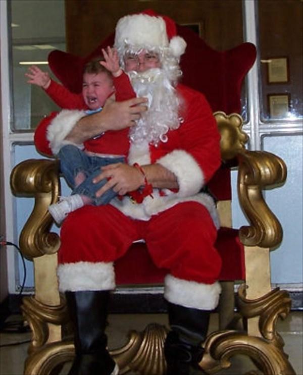 サンタに怖がる子ども8