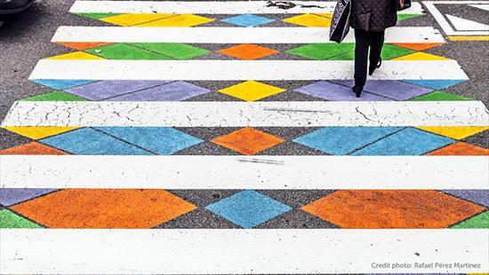 カラフルな横断歩道4