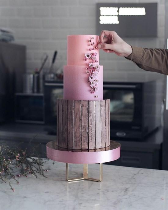 パティシエ姉弟が作る、芸術的で華やかなタワーケーキ12