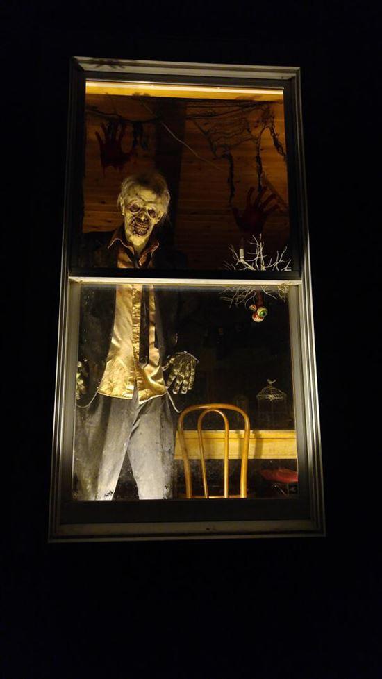 ハロウィンの装飾が怖すぎる家 写真19