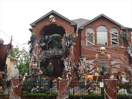 ハロウィンの装飾が怖すぎる家 写真6