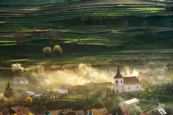 まるでおとぎ話の世界!ルーマニア・トランシルヴァニアの田園風景 写真5